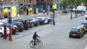 街_道路_自動車_自転車の画像